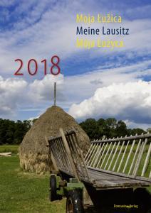 Maibaum in sorbischen Farben in Wartha bei Malschwitz ─ Wandkalender »Moja Łužica – Meine Lausitz – Mója Łužyca 2018« erschienen